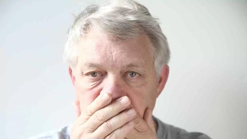 Diabetes Causa Doença Periodontal e Mau Hálito