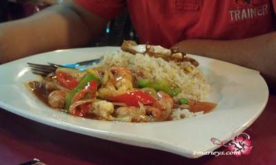 Makan malam di Bangi Village Steamboat tapi order nasi goreng