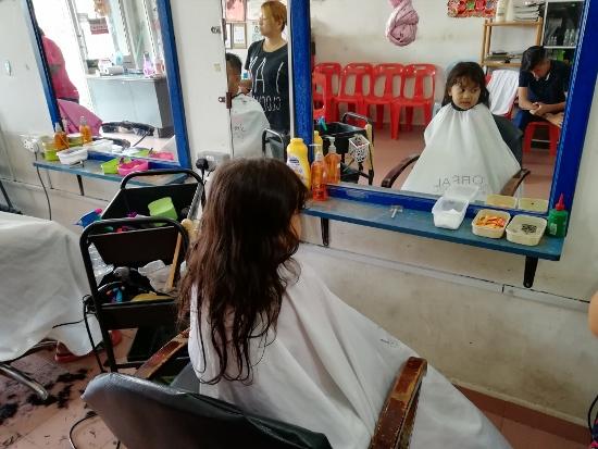 Tiga Tahun Simpan Rambut Asal, Akhirnya Terpaksa Potong Juga