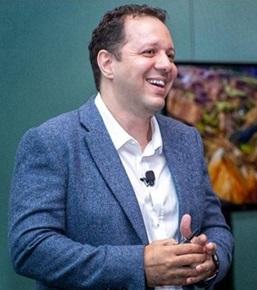 """""""تامر مصطفى """" أفضل نموذج لرجال الأعمال هو القادر على التأقلم مع الأزمات والتعامل معها بهدوء"""