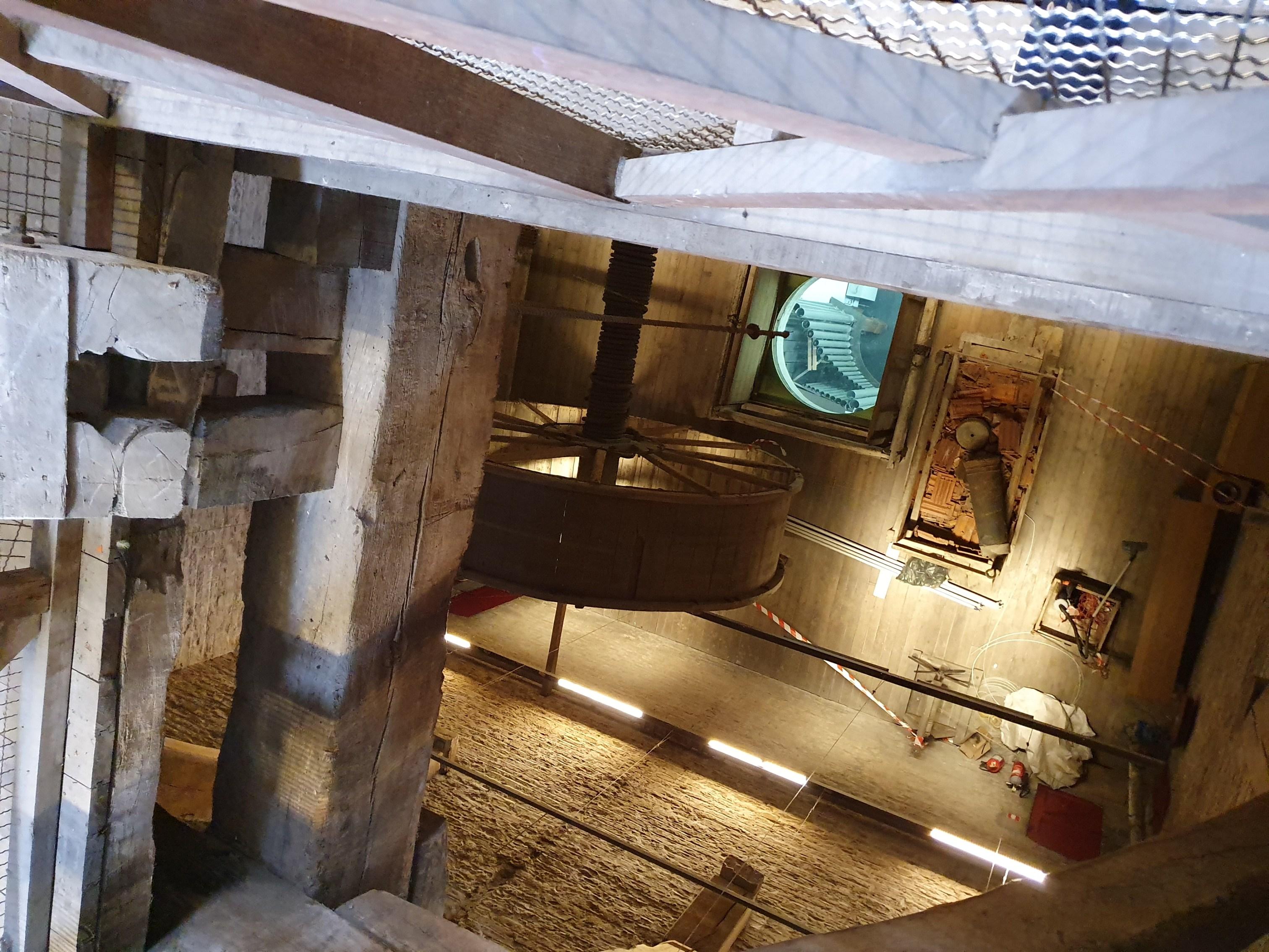 Montée dans la tour de la cathédrale de Malines