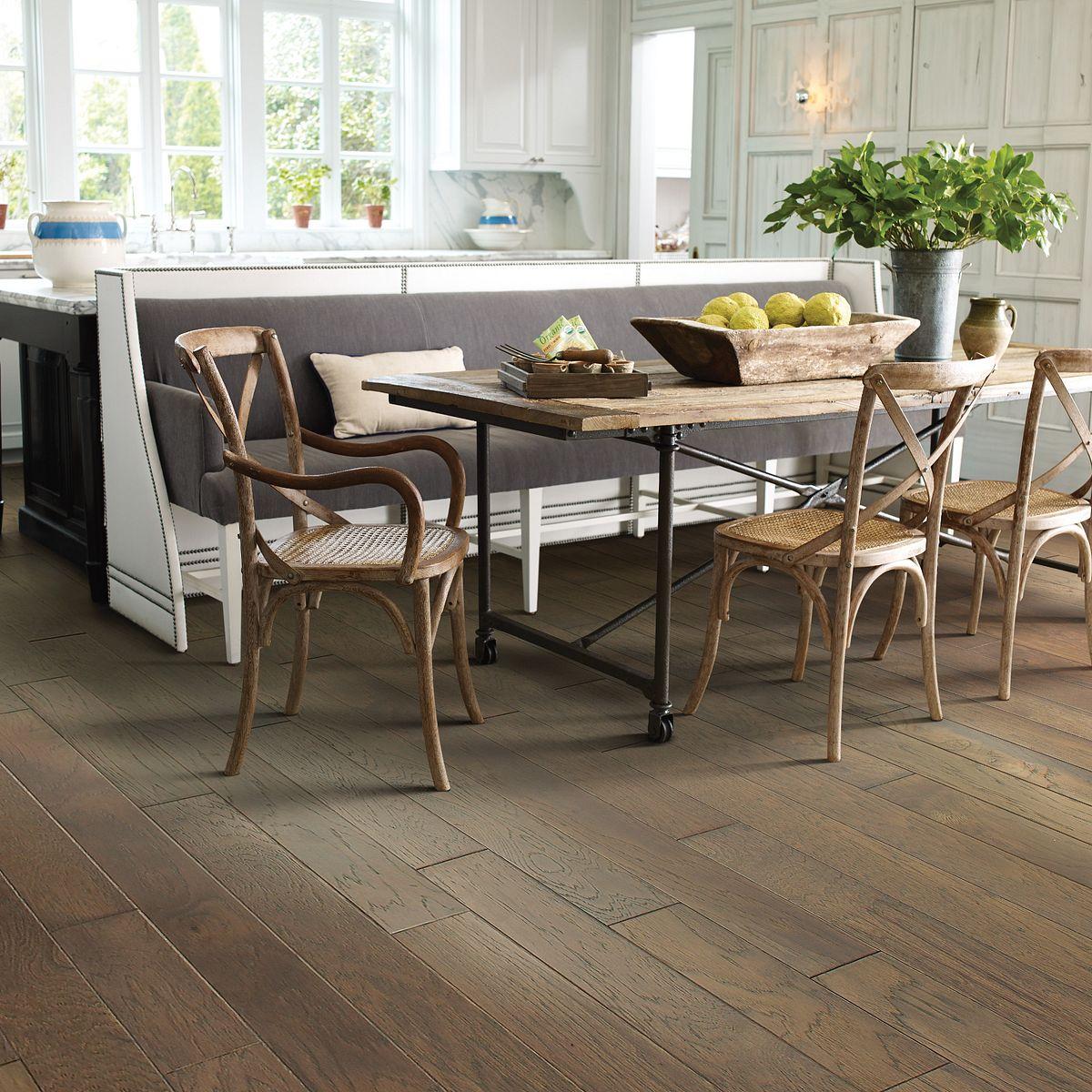 how to install hardwood floor molding