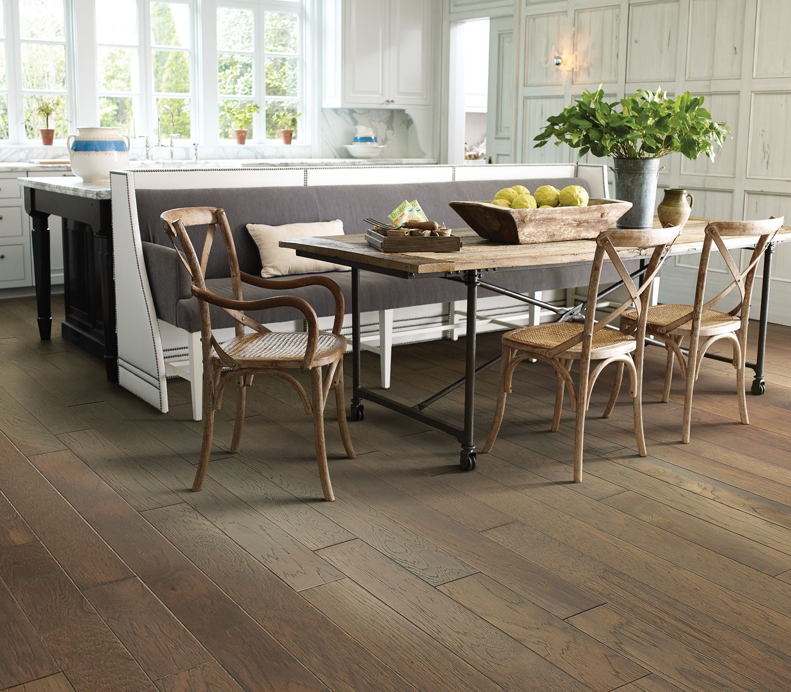 How To Install Hardwood Floor Molding Shaw Floors | Tile To Wood Stair Transition | Builder Grade | Upstairs | Residential | Laminate | Entryway