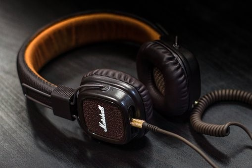 Why Use Studio Headphones For Home Recording?