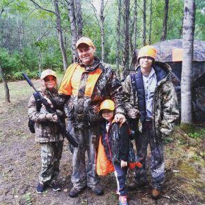 family hunting photo
