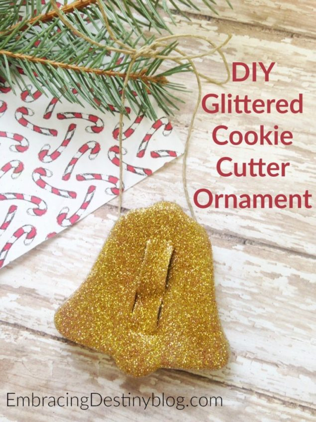 Sweet and simple Christmas ornament to make with the kids. DIY glittered cookie cutter ornament. embracingdestinyblog.com
