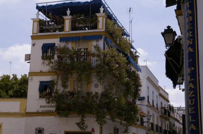 Triana. Photo by como_un_pez_en_el_agua, on Flickr, licensed under Creative Commons