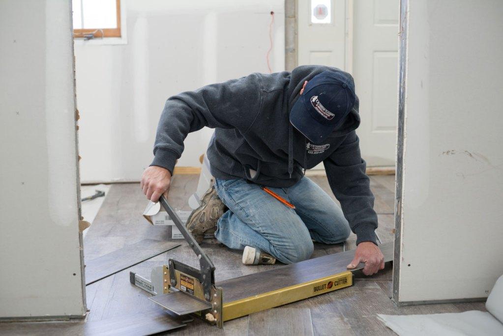 vinyl plank flooring installation - cutting