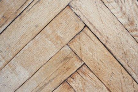 herringbone flooring pattern