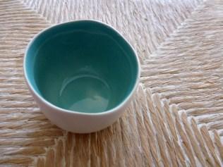 relooking-pot-ceramique-peinture-feutres-posca-noir-diy (6)
