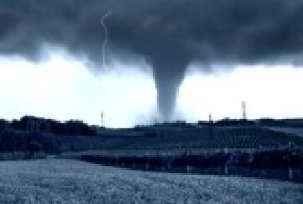 9241431-tornado-incoming-on-the-fields emergency survival preparedness
