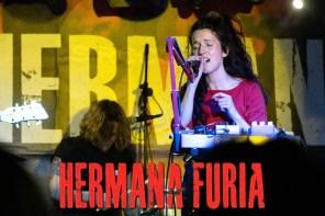 HERMANA FURIA ABREN LA CAJA DE PANDORA