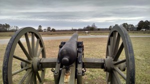 A lone cannon stands on the Morris Farm. Johnston's infantry attacked from the far tree line late on March 19 in an effort to break Slocum's line.