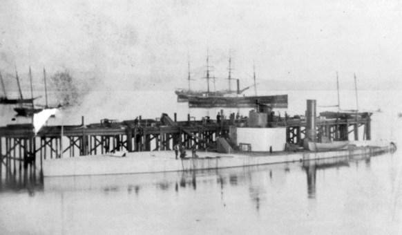 USS_Camanche_(1864)