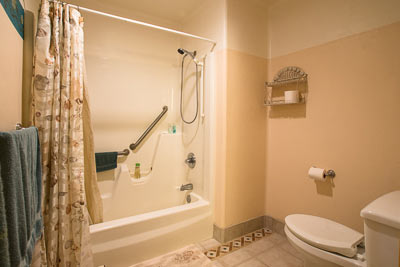Bathroom in the Mediterranean Room