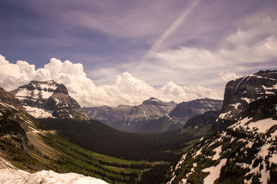 View from the parking lot at the Logan Pass Visitor Center