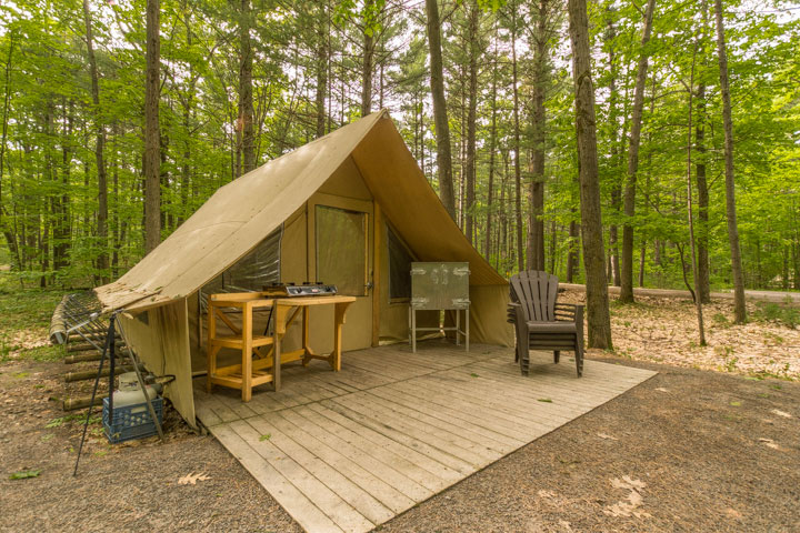 Huttopia tent 150 in Loop 4 of the Dunes Campground at Parc national d'Oka