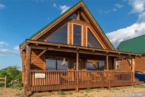 Accessible Smoky Mountain Cabins of All Sizes