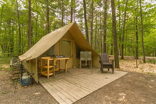 wheelchair-accessible glamping in quebec, canada
