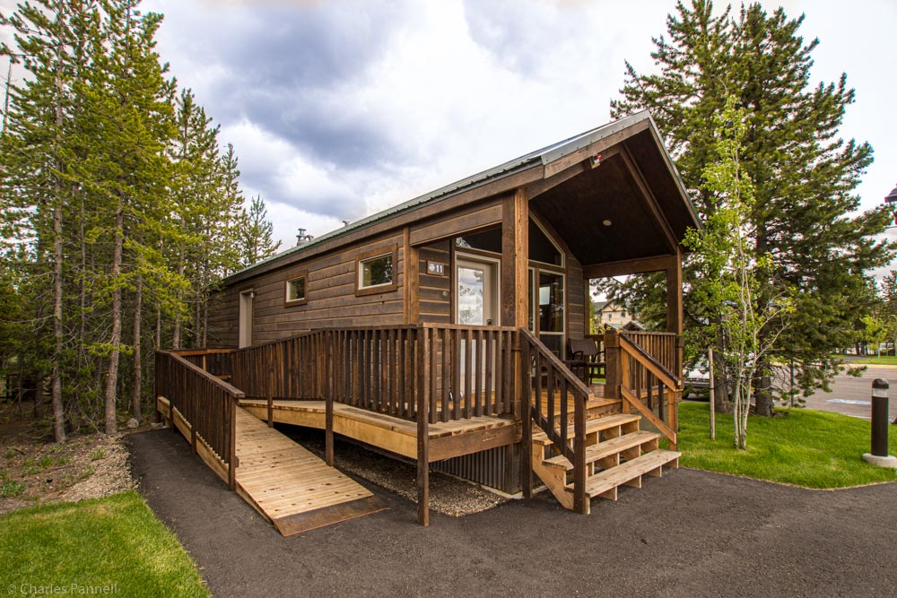 Photo of ramped entry to wheelchair accessible Yellowstone lodging Explorer Cabin