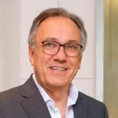 Хирург-офтальмолог Германии