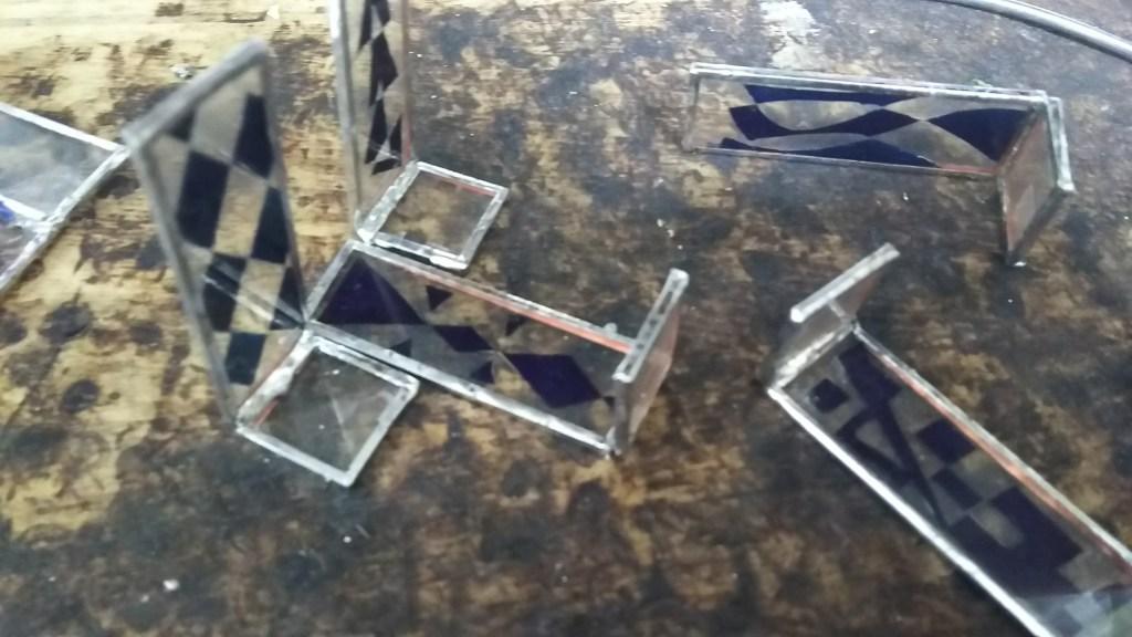バラ風ステンドグラスランプ