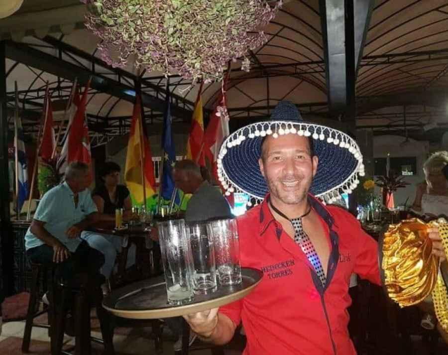 De Fraja Hut: café - bar in de Cita met de allerleukste horeca ondernemers - Erik van de Fraja Hut