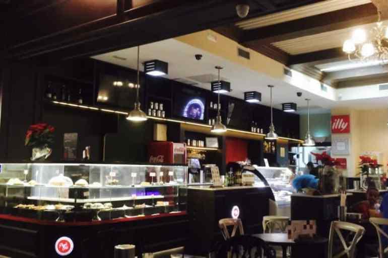 Emigreren Gran Canaria - Winkelcentrum Las Terrazas - Shoppen in kerstsfeer - Koffiezaakje Las Terrazas