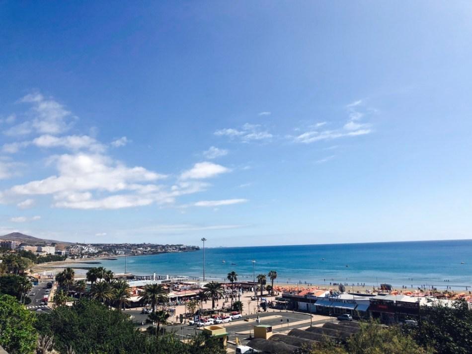 Emigreren Gran Canaria - Budget vakantie Gran Canaria - 10 tips om geld te besparen - Vermijd toeristische plekken - Playa del Ingles boulevard Anexo 2