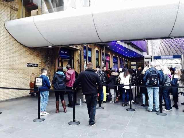 Reisverslag Londen deel 2 - Bezienswaardigheden + tips - Kings Cross platform 9¾