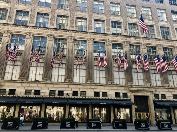 Emigreren Gran Canaria - Reisverslag - Hoogtepunten van New York – Amerika trip deel 1 - Fifth Avenue Saks fifth Avenue