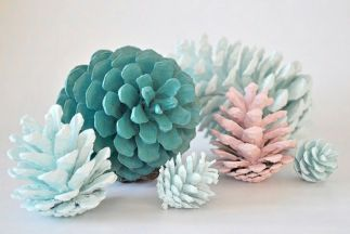 http://toriejayne.com/tutorial/pretty-pastel-pine-cones