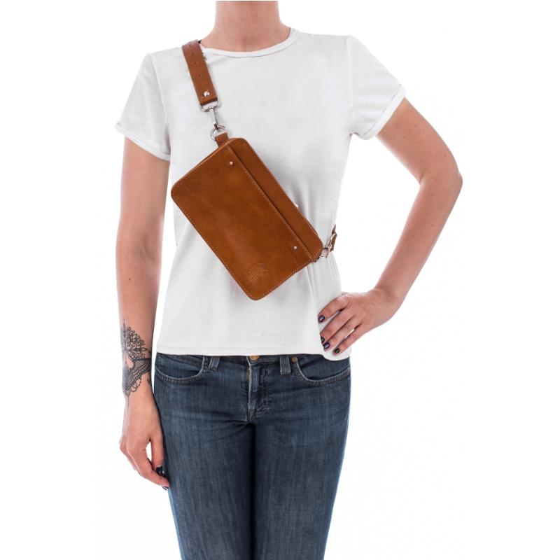 Brązowa torebka przez ramię