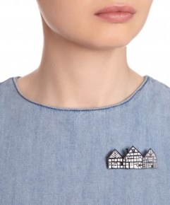 Tatty Devine Tudor House brooch