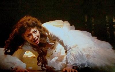 """Czy """"The Phantom of the Opera"""" to kiczowaty spektakl?"""