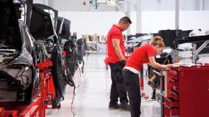 Obtención responsable de minerales para la fabricación de baterías Tesla