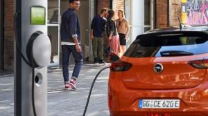 La carga de un coche eléctrico en corriente alterna