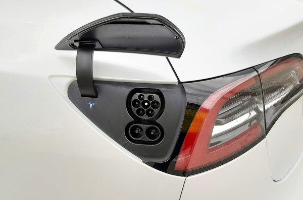 Tipos de conectores para cargar un coche eléctrico