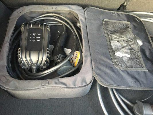 Cable de recarga ocasional limitado a 1,8 kW