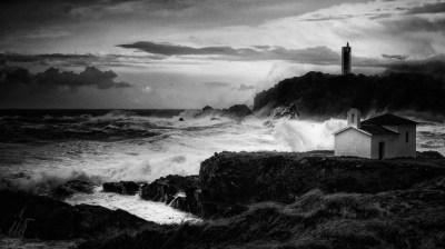 Capela da Virxe do Porto e Faro de Punta Frouxeira