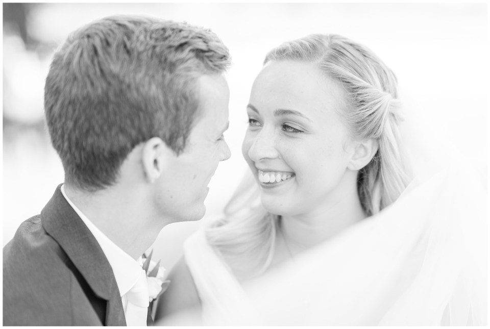 raspberry-plain-manor-bride-groom-wedding-photos
