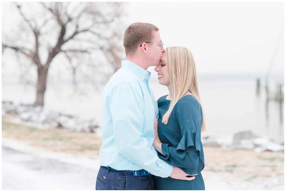 snow-winter-old-town-alexandria-engagement-photos