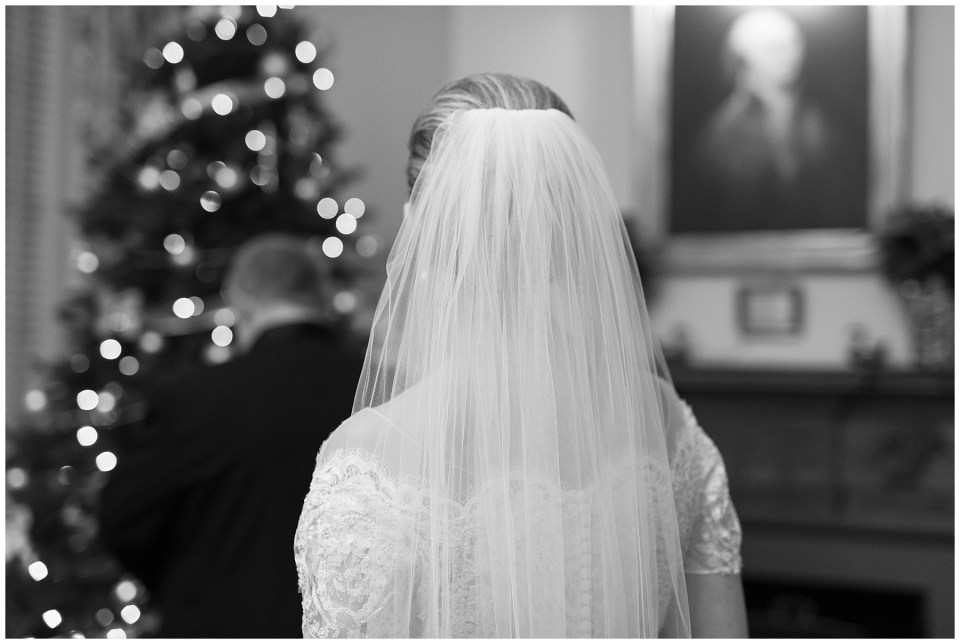 winter-georgetown-wedding-photographer-city-tavern-club-wedding-photos-30.jpg