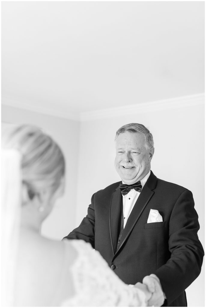father daughter first look tidewater inn wedding photo