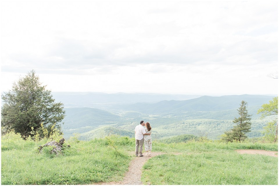 skyline-drive-engagement-photo