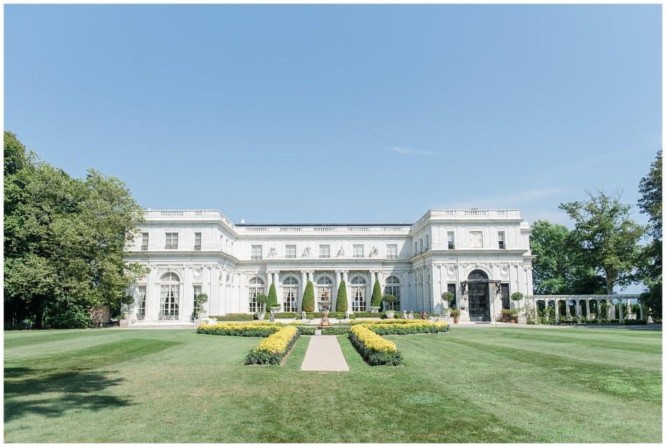 rosecliff-mansion-wedding-photo-waterfront-newport-rhode-island-wedding-venue