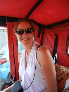 Emily in mototaxi