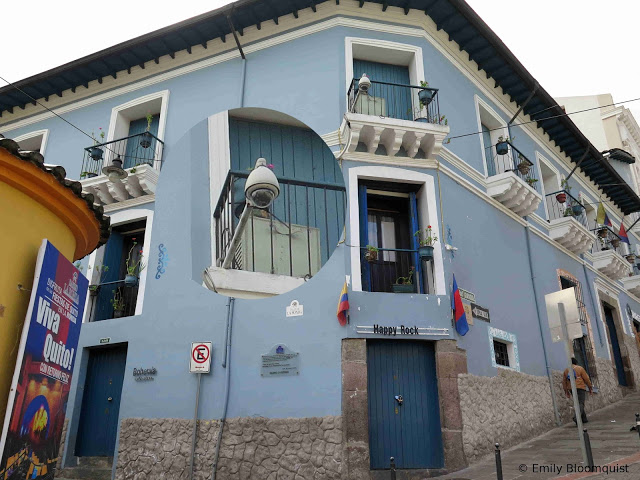 Calle La Ronda Ecuador 911 camera