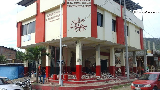 Puerto Lopez fire department day after 7.8 Ecuador earthquake