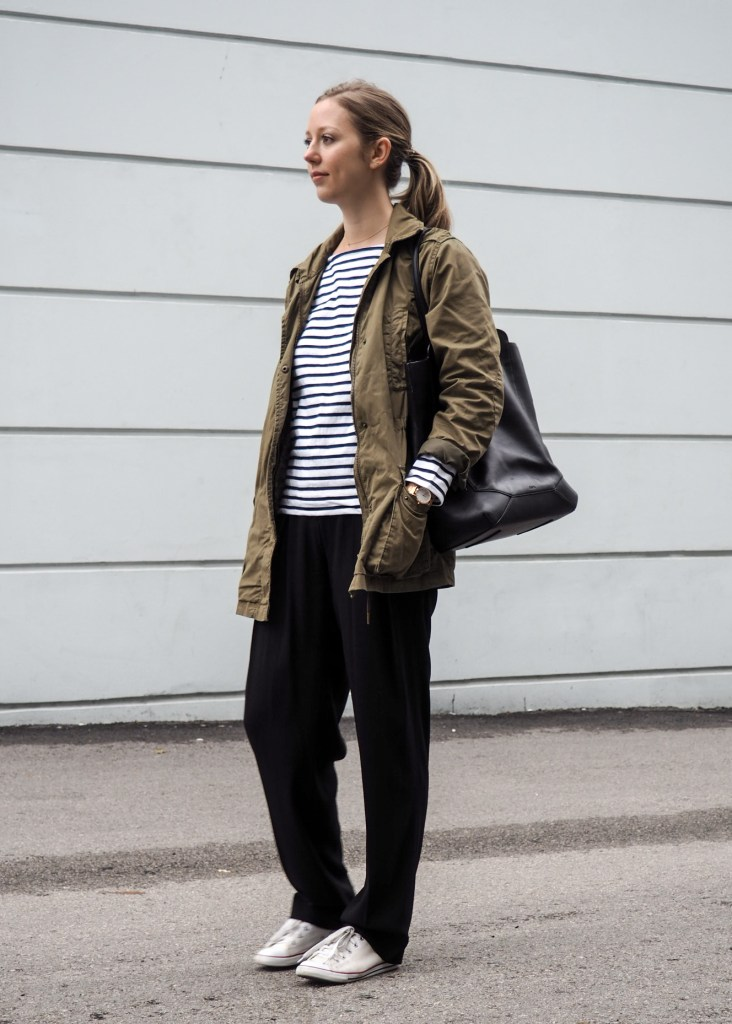 Fall Outfit Inspiration - Wide Leg Trousers & Sneakers